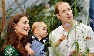 Ο αξιολάτρευτος διάδοχος του βρετανικού θρόνου γίνεται ενός έτους! Χρόνια πολλά μικρέ Τζόρτζ!