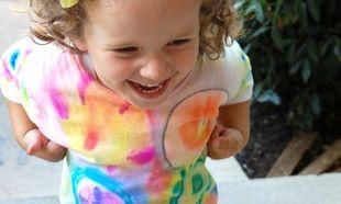 Μεταμορφώστε το απλό λευκό μπλουζάκι του παιδιού σας σε κουλ μπλουζάκι!