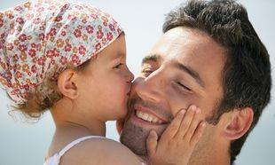 Ποιος είναι ο ρόλος του πατέρα στην ανατροφή του παιδιού και ποια τα οφέλη της πατρικής παρουσίας;
