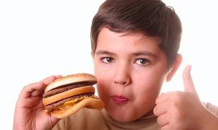 Το παιδί μου είναι παχύσαρκο. Πώς μπορώ να το βοηθήσω; Από τη διατροφολόγο Ευσταθία Παπαδά
