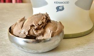 Εύκολο και γρήγορο παγωτό σοκολάτα από τον Γιώργο Γεράρδο