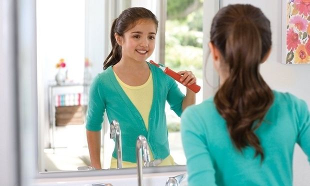 Τι οδοντόβουρτσα να επιλέξω για το παιδί μου; Ηλεκτρική ή απλή;