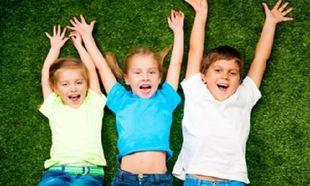 Το παιδί μου λερώθηκε στον παιδικό σταθμό με γρασίδι! Πώς βγαίνει ο λεκές;