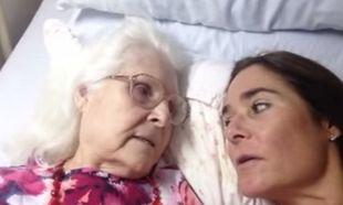 Πόσο συγκινητικό: Δείτε την στιγμή που μία μητέρα με Αλτσχάιμερ αναγνωρίζει την κόρη της (βίντεο)