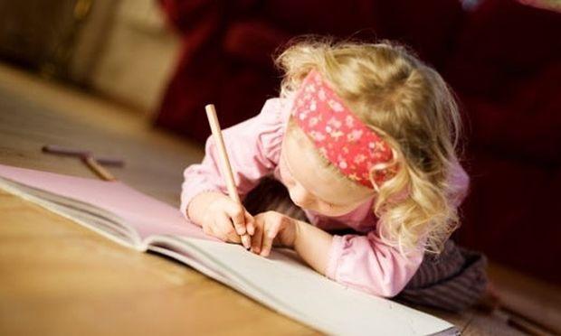 Το παιδί μου κάνει ορθογραφικά λάθη. Τι μπορώ να κάνω για να το βοηθήσω;