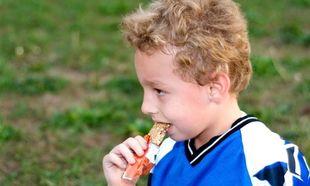 Το παιδί μου μετά το σχολείο έχει δραστηριότητα. Τι μπορεί να φάει για να το «κρατήσει»;