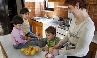 Γίνετε μητέρα ή θεία στο Παιδικό Χωριό SOS στη Βάρη!