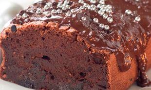 Υγρό κέικ σοκολάτας με γλάσο!