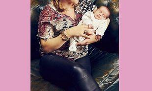 Η νικήτρια του X-Factor μας δείχνει για πρώτη φορά τη νεογέννητη κορούλα της! (εικόνες)