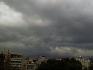 Αγριεύει ο καιρός: Βροχές, καταιγίδες και χαλάζι!