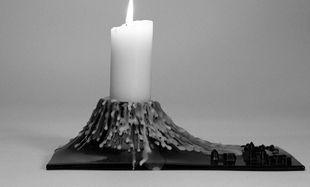 Έτσι θα αφαιρέσετε το λιωμένο κερί από τα κηροπήγια!