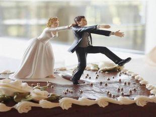 Σύρος: Ψάχνουν το γαμπρό… μια ημέρα πριν το γάμο! (εικόνες)!