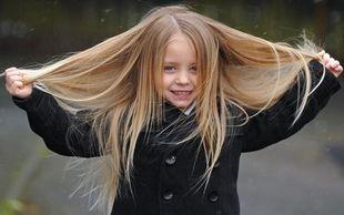 Δωρίστε τα μαλλιά σας για τα παιδιά με καρκίνο (φωτό)