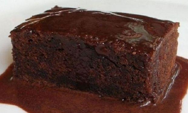 Συνταγή για το πιο νόστιμο και γρήγορο ατομικό σοκολατένιο κέικ!