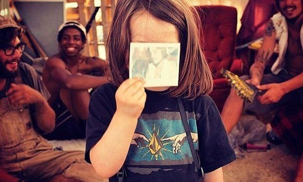 Ταλέντο από κούνια: Αυτός είναι ο πιο μικρός φωτογράφος του κόσμου! (εικόνες)