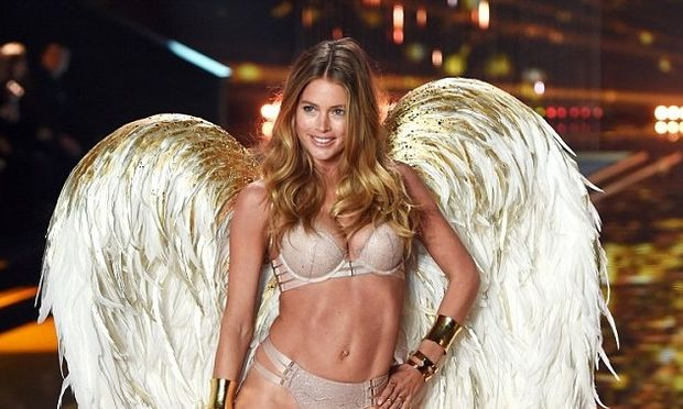 Ντούτζεν Κρος: Δε θα πιστεύετε τι κορμί έχει ο «Άγγελος της Victoria's Secret» μετά από 2 γέννες! (εικόνες)