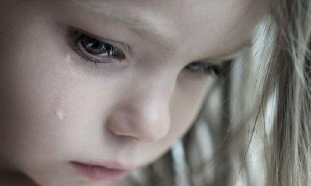 «Βοήθεια χτυπάει τη μαμά μου!», το συγκλονιστικό τηλεφώνημα μιας 6χρονης!
