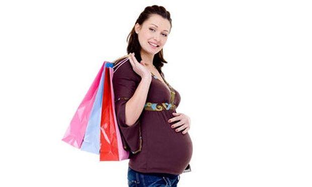 Αυτά είναι τα ρούχα που μπορείτε να φορέσετε ακόμη κι έγκυος!