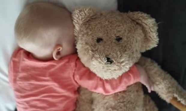 Έτσι θα φύγετε αθόρυβα από το παιδικό δωμάτιο, όταν κοιμηθεί το παιδί σας! (εικόνες)