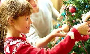 Χριστουγεννιάτικος στολισμός στο σπίτι με ένα μικρό παιδί! Τι πρέπει να προσέχετε