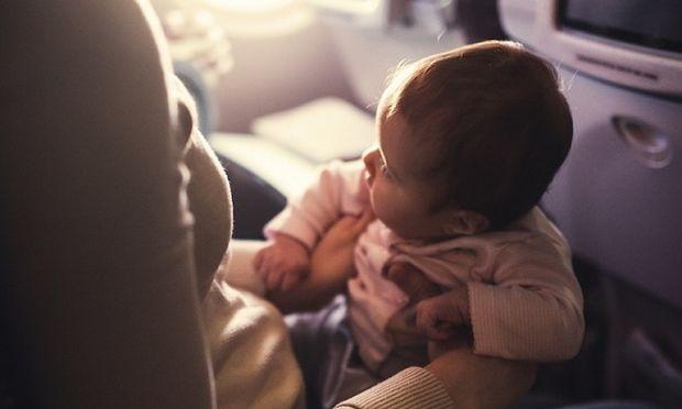 Μια άγνωστη είπε σε μια μαμά να κάνει το παιδί της να πάψει. Δείτε τι συνέβει μετά! (εικόνα)