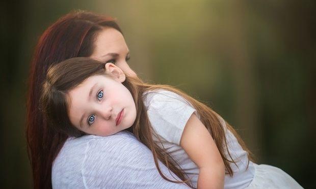 Ο πατέρας του παιδιού μου δεν υπάρχει. Πώς μπορώ να αντικαταστήσω το πατρικό πρότυπο;