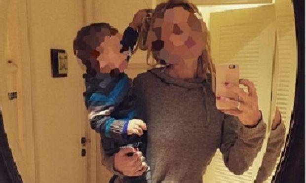 Ποιο αγοράκι έχει αδυναμία στα... μαλλιά της διάσημης μαμάς του; (εικόνες)