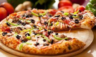 Πανεύκολη συνταγή για αφράτη σπιτική πίτσα!