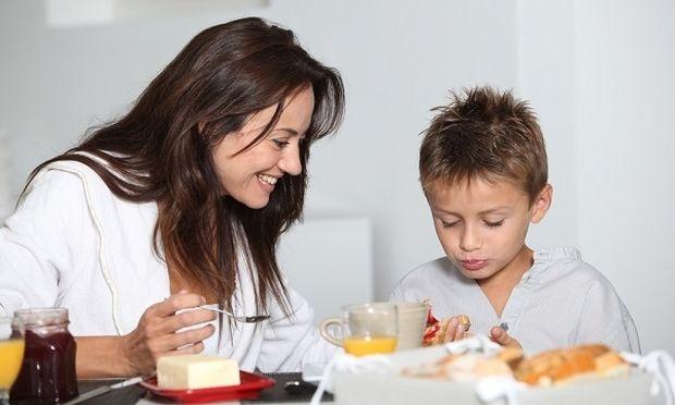 Είναι το παιδί σας αυτόνομο στο σχολείο αλλά όχι στο σπίτι; Δείτε τι μπορείτε να κάνετε!