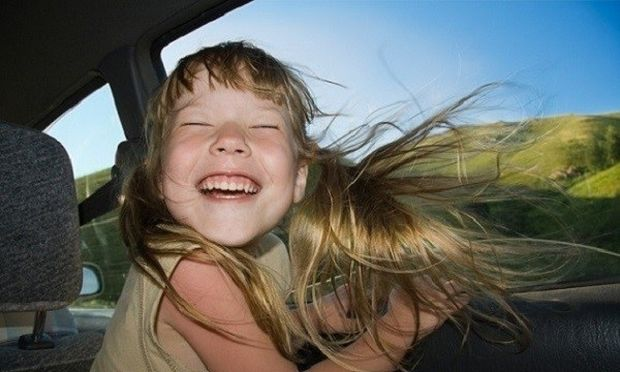Οδηγός για γονείς: Αυτά είναι τα 18 απαραίτητα πράγματα που πρέπει να έχετε πάντα στο αυτοκίνητό σας!