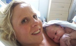 Απίστευτη ιστορία: Μπήκε στην εμμηνόπαυση στα 20 και γέννησε στα 35!