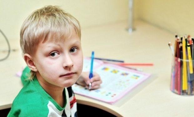 Χρήσιμες συμβουλές για γονείς που το παιδί τους είναι αριστερόχειρας!