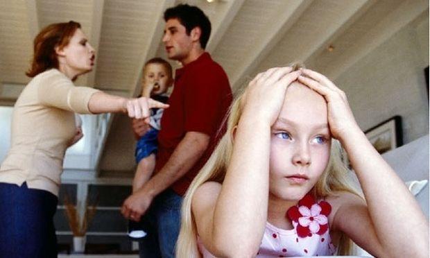 Οι συχνοί καυγάδες των γονιών, βλάπτουν σοβαρά την υγεία των παιδιών!