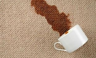 Έπεσε καφές στο χαλί και στα ρούχα μου! Η λύση βρίσκεται στο…