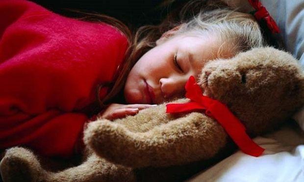 Παιδικά όνειρα: «Το παιδί μου είδε άσχημο όνειρο. Γιατί και τι μπορώ να κάνω;»