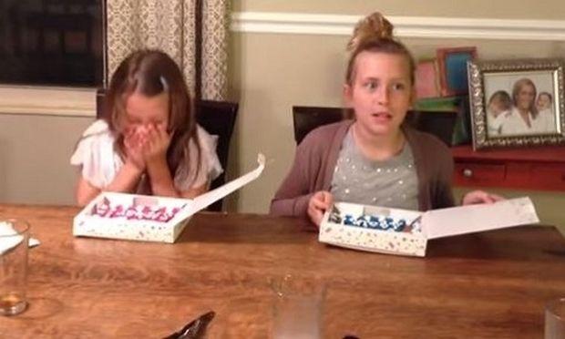 Αυτά τα κορίτσια αντιδρούν με τον πιο απίθανο τρόπο όταν μαθαίνουν ότι θα αποκτήσουν αδερφάκι! (βίντεο)