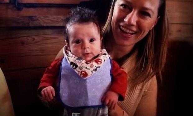 Οι δώδεκα πρώτοι μήνες ενός μωρού από τη στιγμή που γεννιέται, σε ένα βίντεο ενός λεπτού!