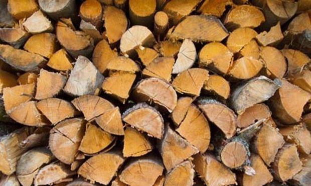 Αυτό είναι το κόλπο για να μην καταναλώνει το τζάκι σας πολλά ξύλα!