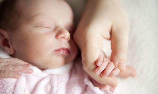 Αληθινή ιστορία: «Έζησα τη γέννηση της υιοθετημένης κόρης μου!»