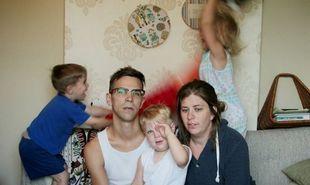 10 απολαυστικές φωτογραφίες που αποκαλύπτουν την πραγματική καθημερινότητα ενός γονιού! (εικόνες)
