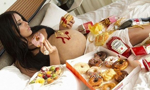 Δείτε τι επιτρέπεται να τρώτε στην εγκυμοσύνη και τι όχι!