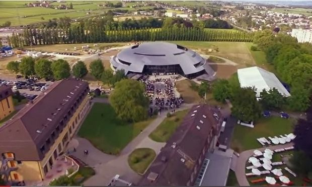 Αυτό είναι το ακριβότερο σχολείο στον κόσμο!(εικόνες)