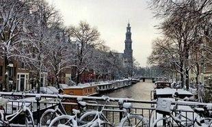 Ένα φωτογραφικό ταξίδι σε διάσημες πόλεις του κόσμου, ντυμένες στα λευκά!