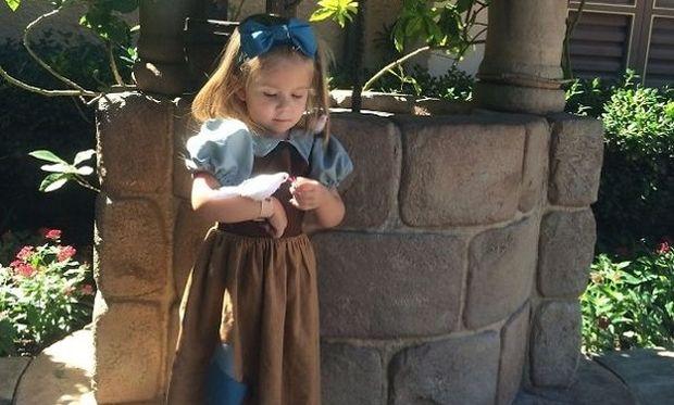 Αυτή η μαμά έφτιαξε τις πιο υπέροχες παραμυθένιες στολές για την τρίχρονη κόρη της! (εικόνες)