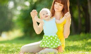 «Τα πρώτα βήματα του μωρού μου!»: Έτσι θα το βοηθήσετε να περπατήσει