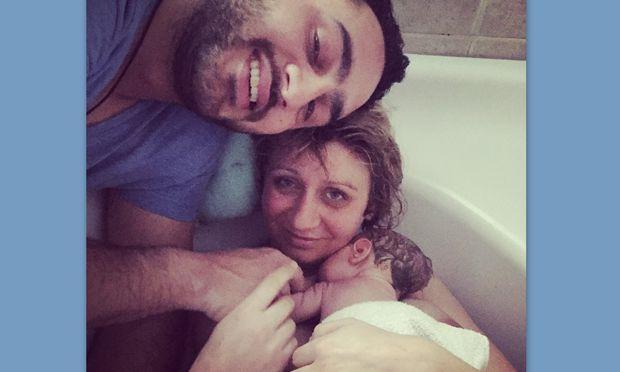 Despoina's little stories: «Το βίντεο του φυσιολογικού τοκετού στην μπανιέρα που με συγκλόνισε!»