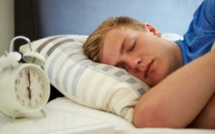Το σταθερό πρόγραμμα ύπνου «κλειδί» για την υγεία των νέων!