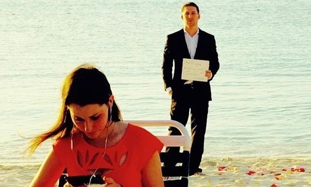 Επί 365 ημέρες της έκανε πρόταση γάμου χωρίς να το γνωρίζει, δείτε πώς το έμαθε!(βίντεο)