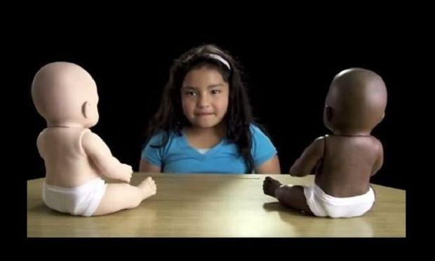 Ένα συγκλονιστικό βίντεο, με ένα πείραμα κατά του ρατσισμού που όλοι οι γονείς πρέπει να δουν!
