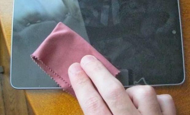 Έτσι θα καθαρίσετε την οθόνη του κινητού σας!